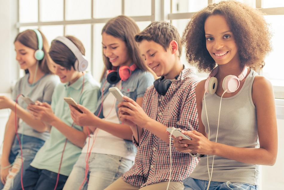 Hearing Loss in Teenagers – How to Limit the Damage