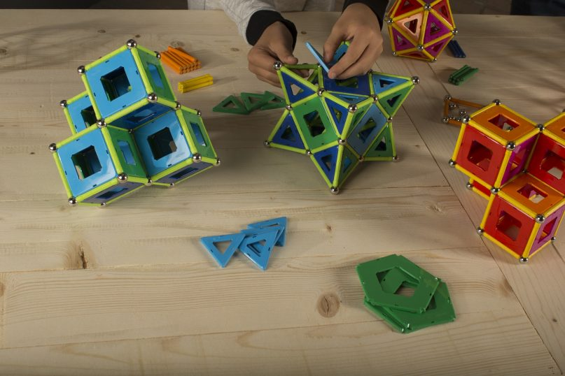 Geomag Classic Encourages Creativity